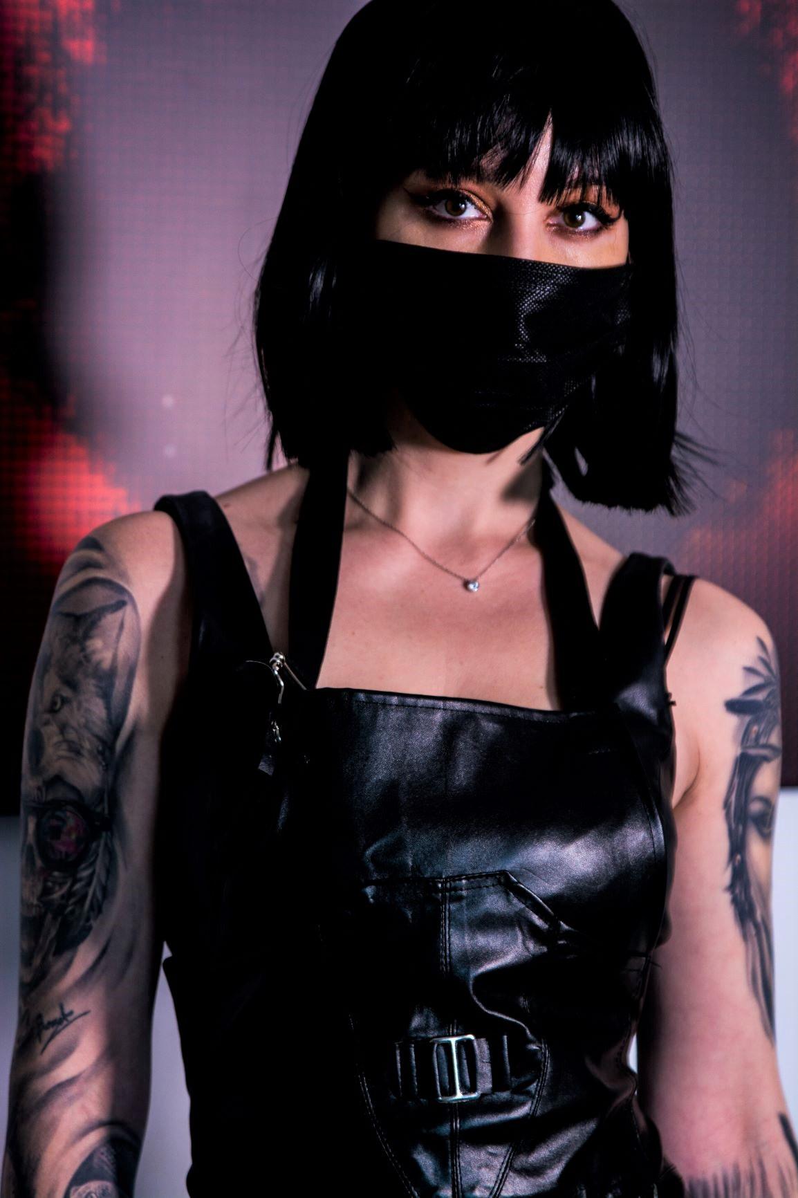 Deep Drop Studio proiect fotografii tatuaje portret de femeie cu tatuaje